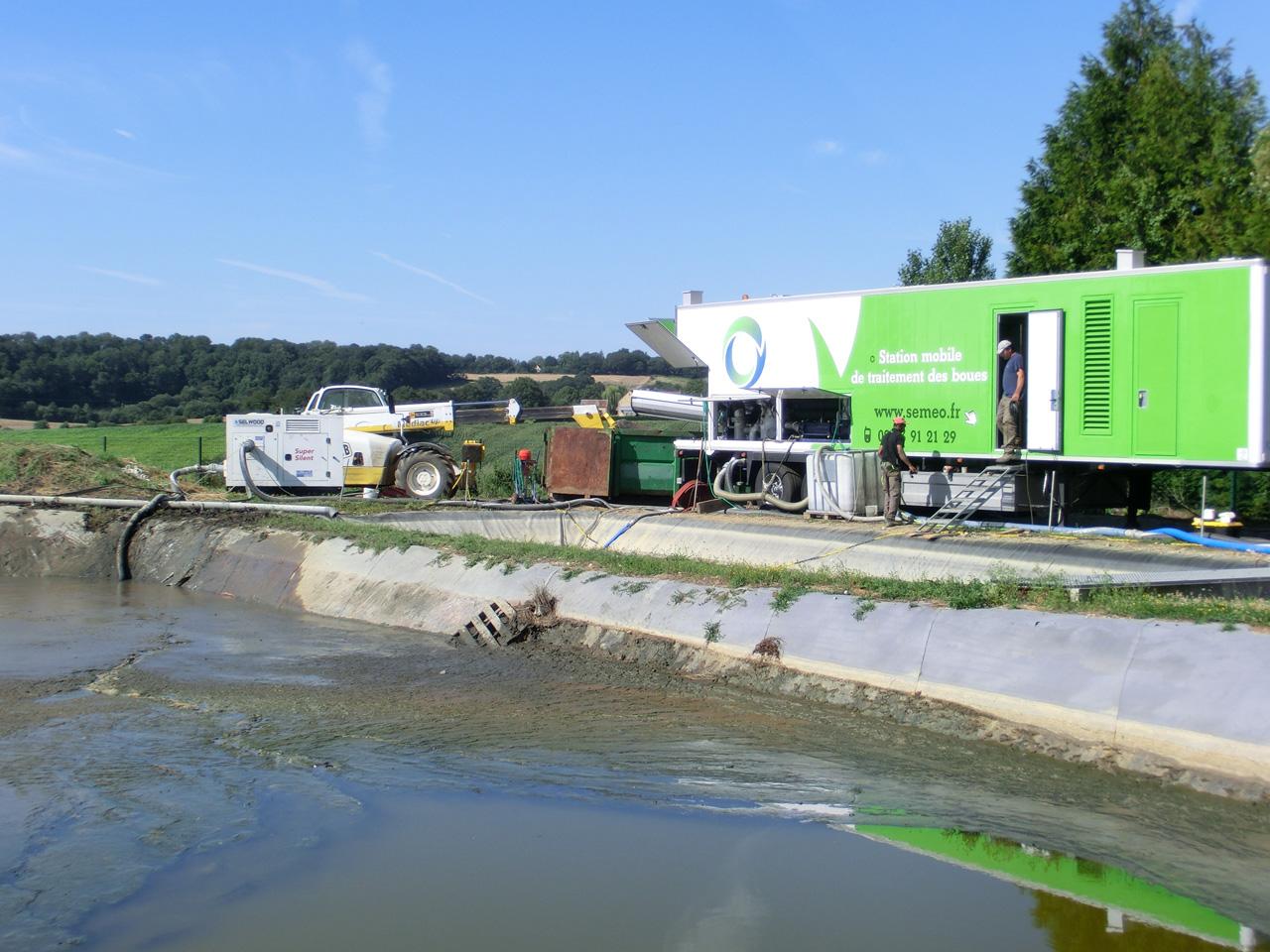 Semeo déshydratation mobile boues location centrifugeuse